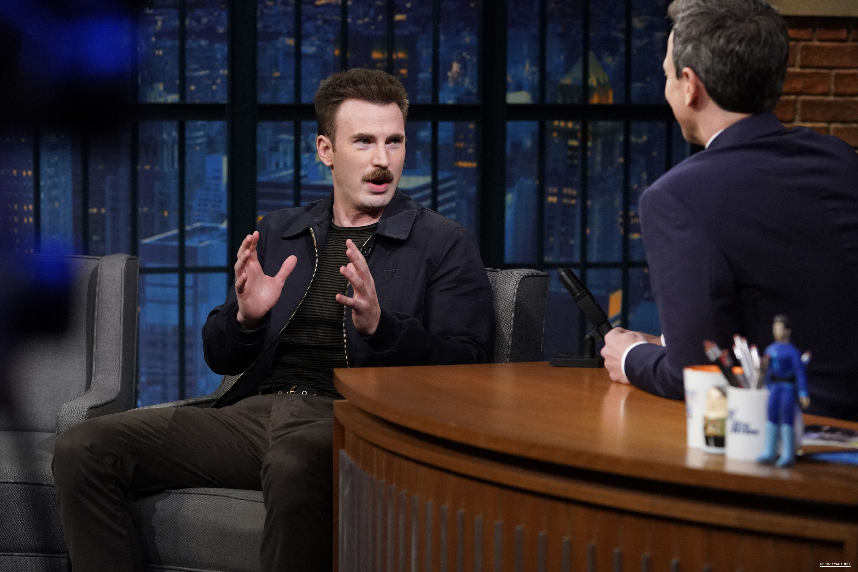 http://chris-evans.net/photos/albums/Appearances/2018/04%2023%20Late%20Night%20with%20Seth%20Meyers/003.jpg