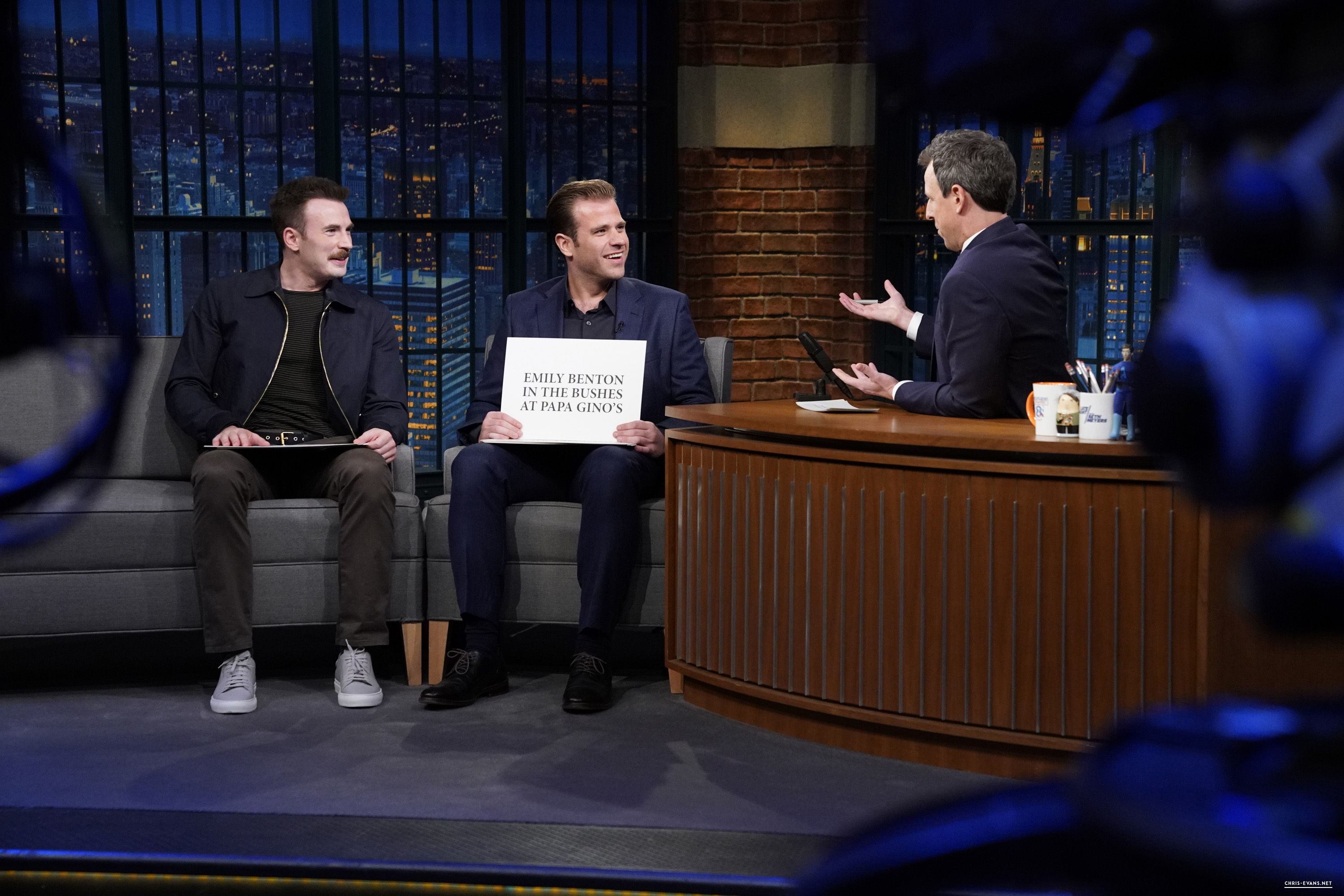 http://chris-evans.net/photos/albums/Appearances/2018/04%2023%20Late%20Night%20with%20Seth%20Meyers/009.jpg